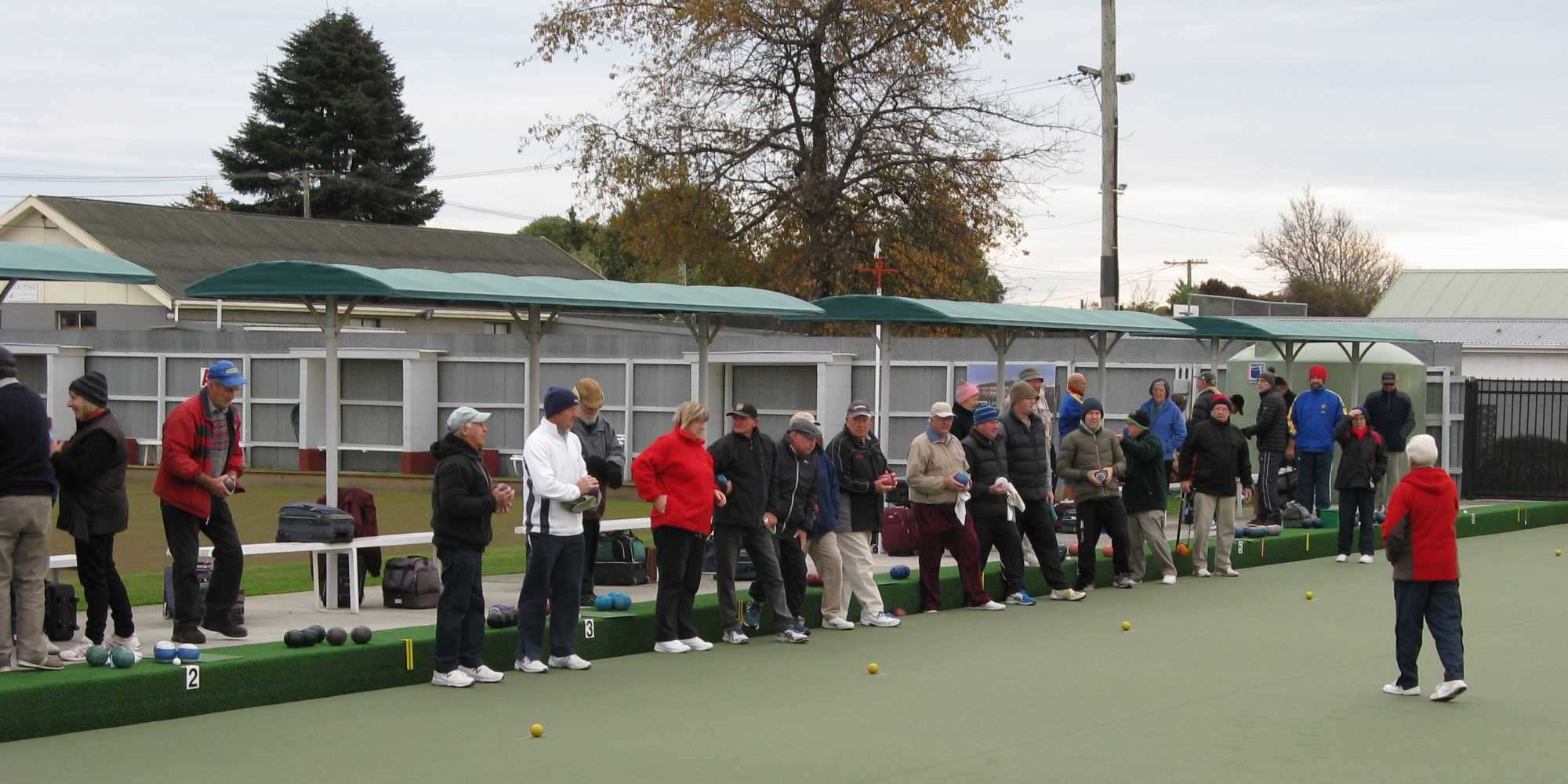 Winter Three Bowl Triples Tournament 9 June - Lyndsey Welcomes the Players