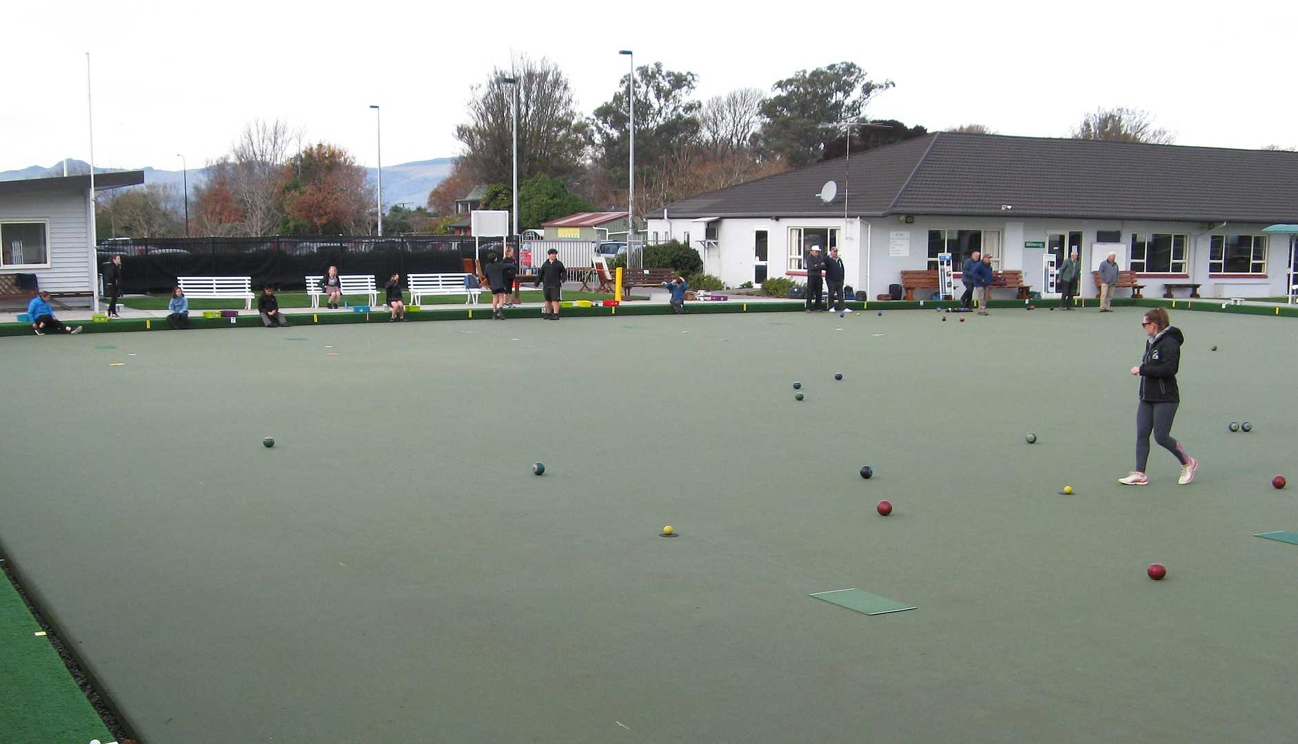 Midwinter at the LBC - Members Roll-up and Bowls for Schools
