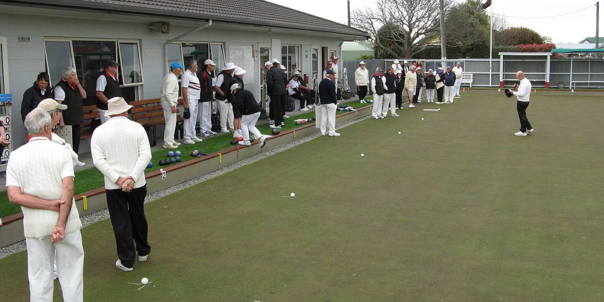 Bruce Welcomes a Full Green of Bowlers for the Bisset Trophy - 28 September