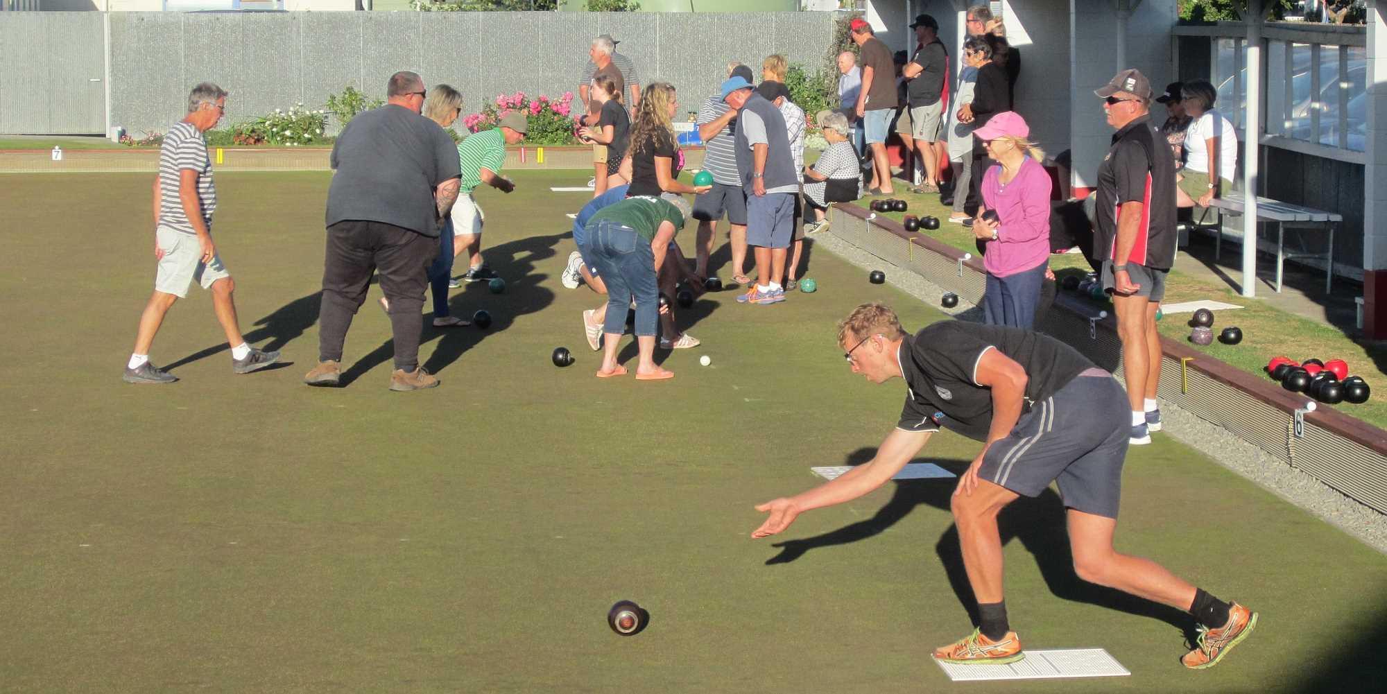 Community Bowls 24 Feb 2020 - Photo 4