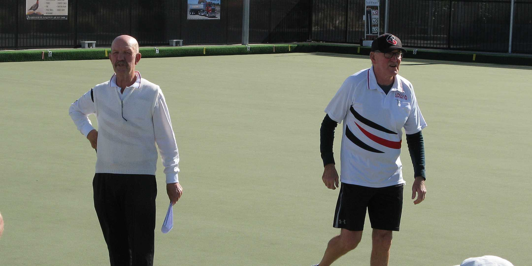 Bruce (Match Committee Chair) and Maurice (President) get the Farmers v Rest under way - 24 April 2021